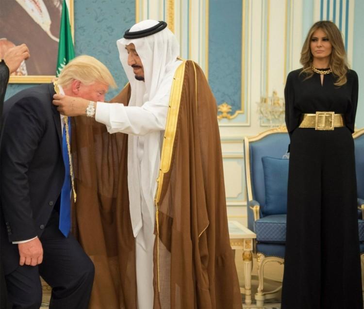 Medalling of the Potus in Saudi Arabia