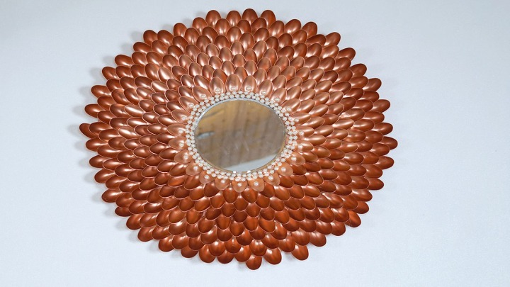 Plastic Spoon Mirror with Beads