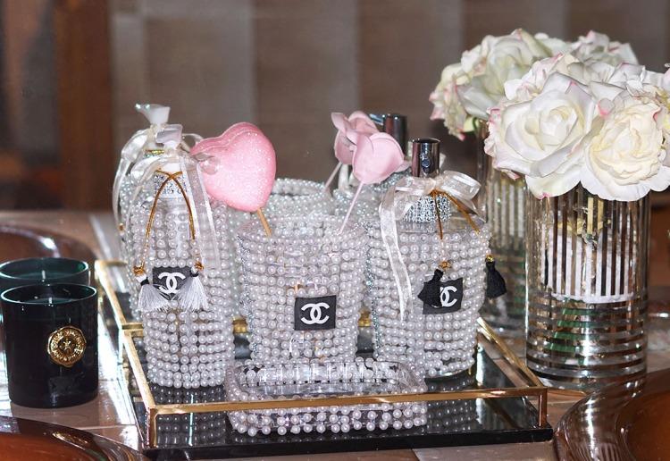 Pearl bathroom accessories