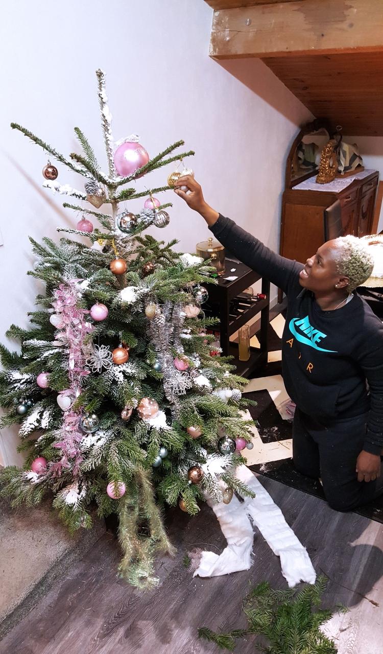 Building Christmas Tree